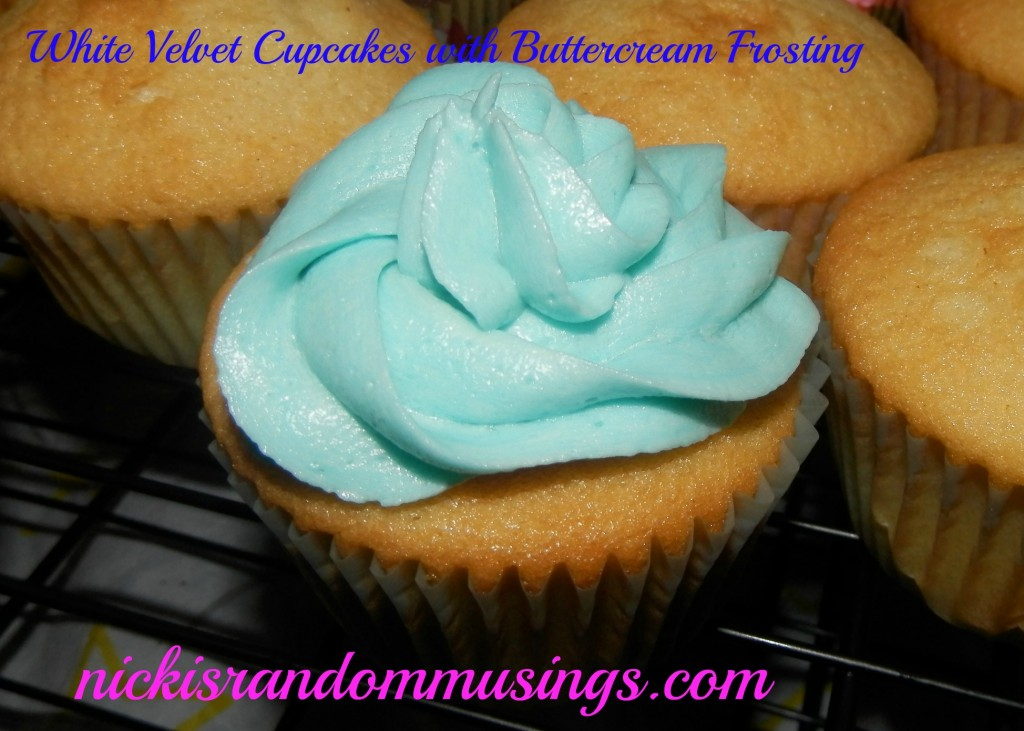 Cupcakes with Buttercream Frosting
