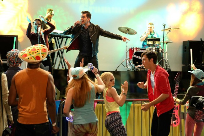 "Credit: LIV AND MADDIE – ""SPARF-A-Rooney"" – Maddie and Diggie try to ""out-fun"" each other at a local music festival as Liv tries to help Andie get over her breakup. This episode of ""Liv and Maddie"" airs Sunday, August 16 (9:00 PM – 9:30 PM ET/PT), on Disney Channel. (Disney Channel/Adam Taylor)"